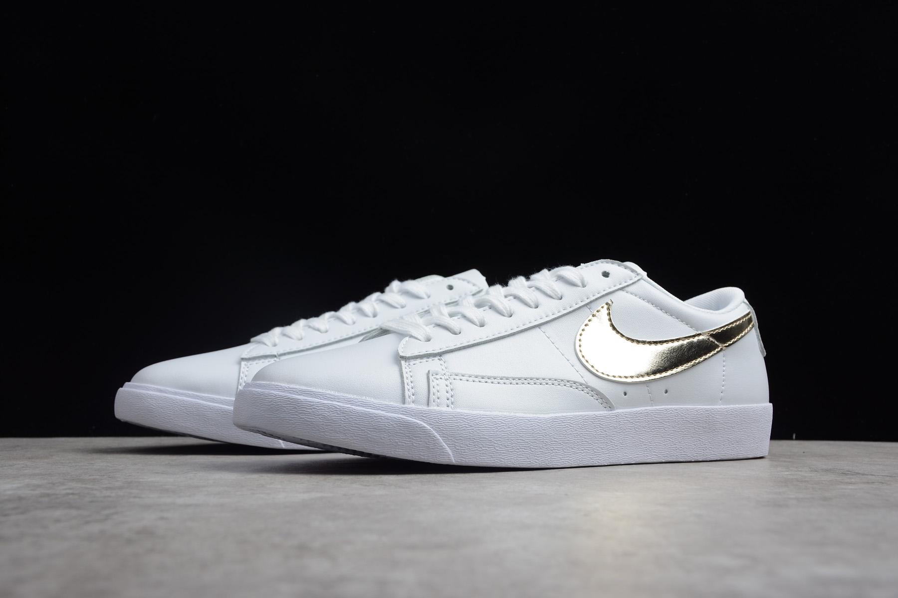 100% authentic 0ee54 93cae Women's Nike Blazer Low LE White/Metallic Gold Star AA3961-103