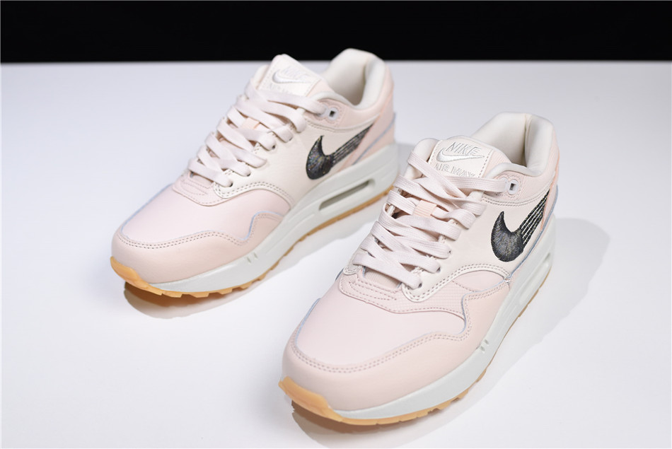 first rate 38bd4 47769 Women s Nike Air Max 1 ...