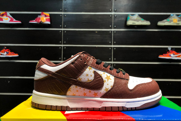 2021 Latest DH3228-103 Nike SB Dunk Low Supreme Stars Barkroot Brown For Sale