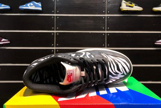 2021 Cheap DM3510-001 Quartersnacks x Nike SB Dunk Zebra-3